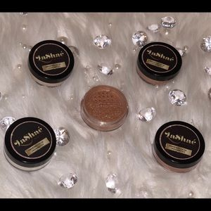 "💞LaShaé Beauty""So Conceited"" Highlighter Powder💞"